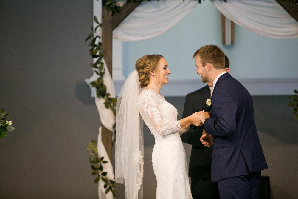 olivia-phil-omaha-wedding-photography