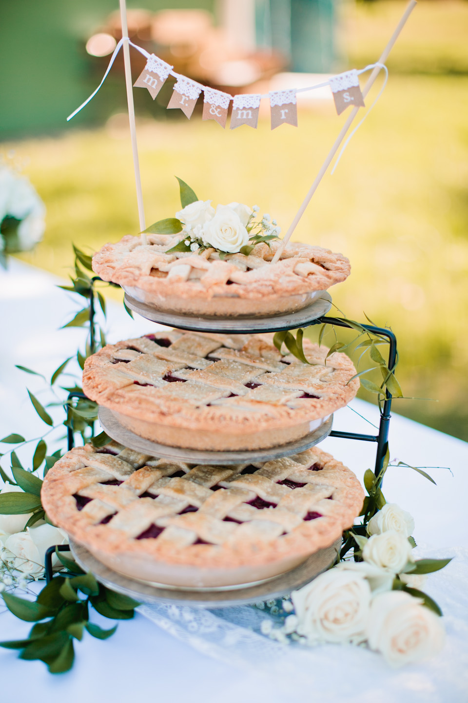 outdoor wedding with pie