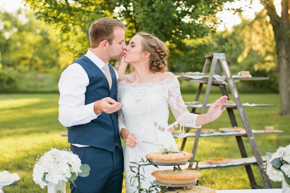 olivia-phil-iekel-wedding