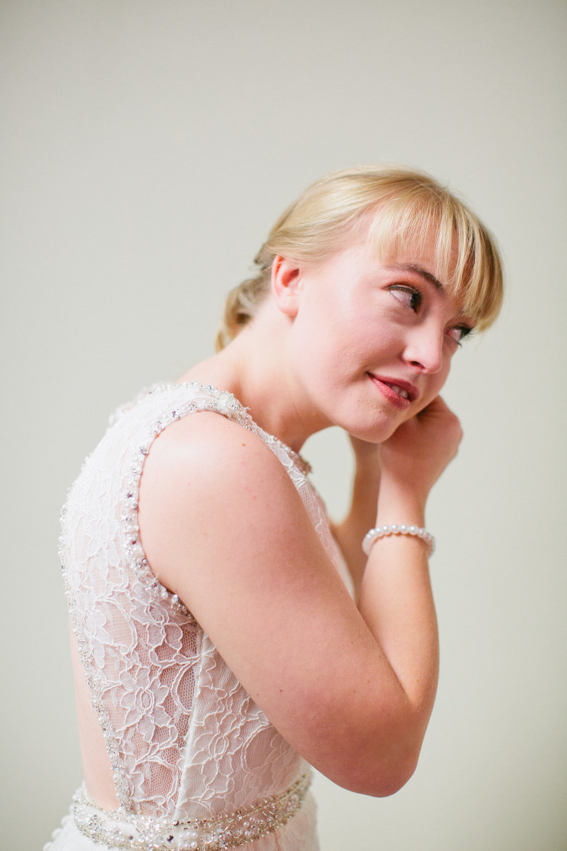 simple bridal portraits in Iowa