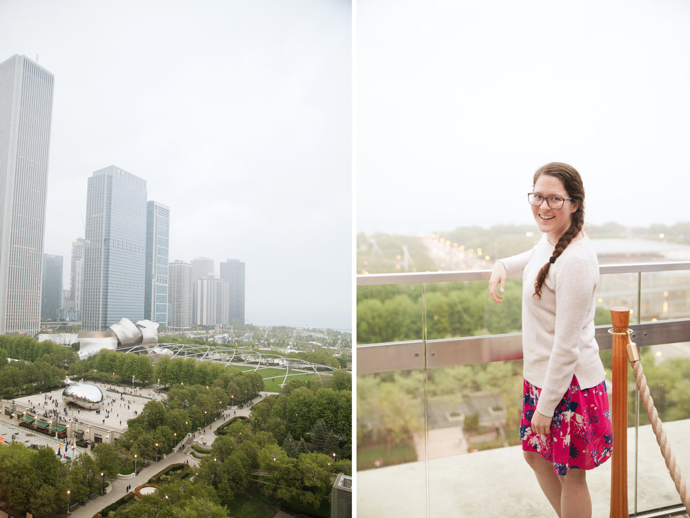 destination senior photos with view of Chicago