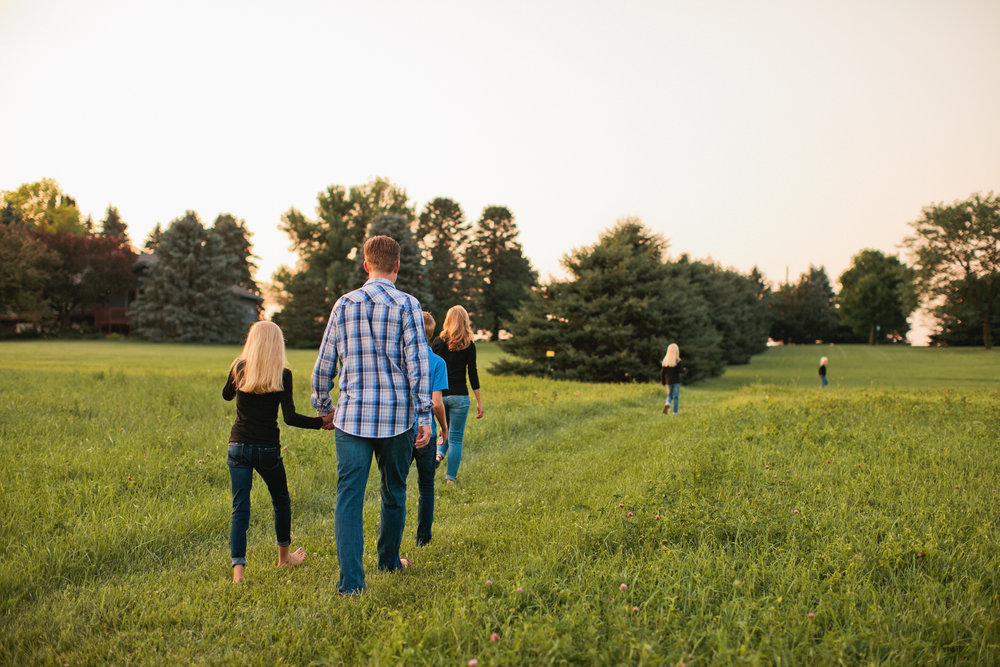 fun and creative family photos in the Des Moines area photographers