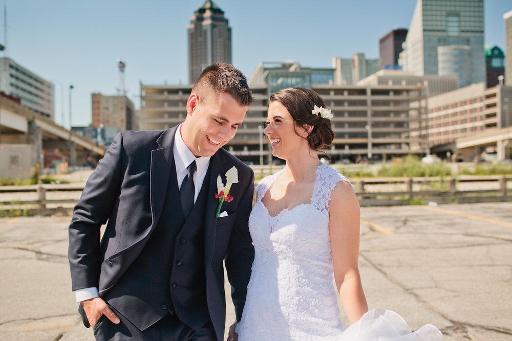 downtown-des-moines-wedding-photos