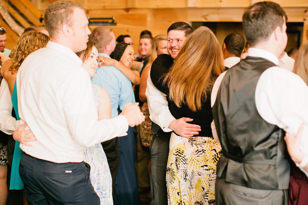 sunset-ridge-barn-wedding-photos-amelia-renee-dance