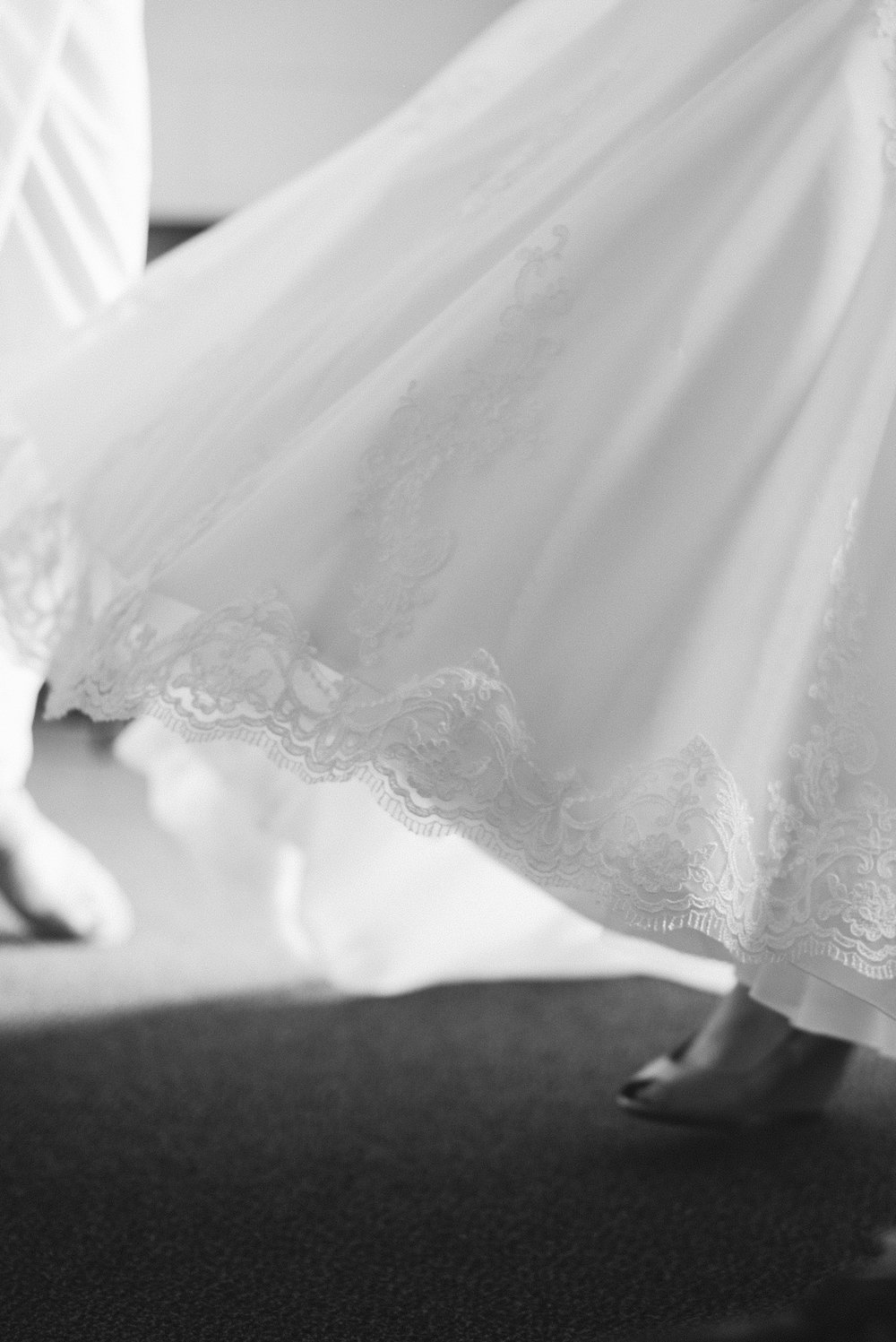 documentary-style-wedding-photography-Des-Moines-Iowa