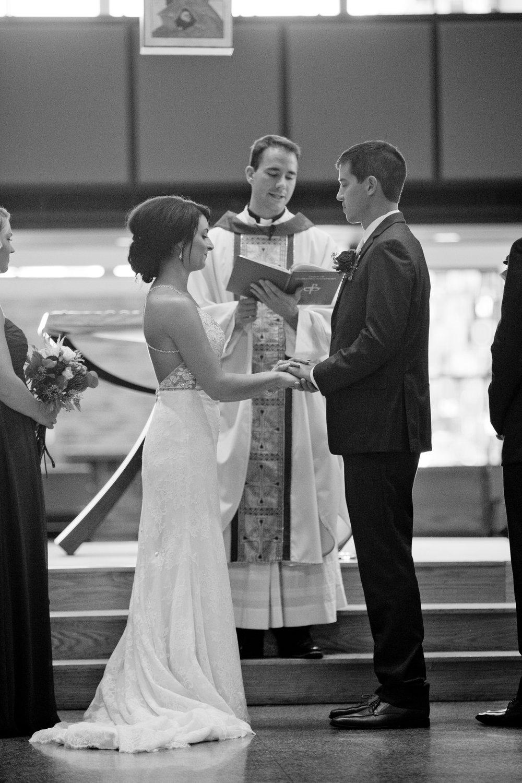 des-moines_iowa+wedding_photographers