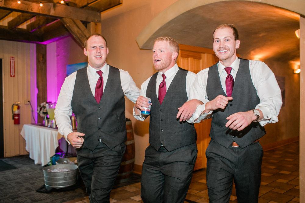 winery_wedding_photos_iowa_des_moiens_iowa_city