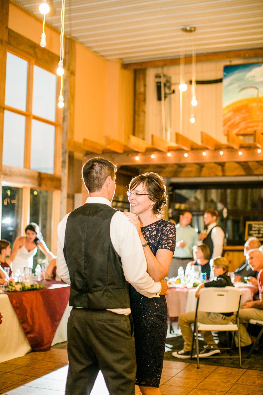 furnas-breja-wedding-prairie-moon