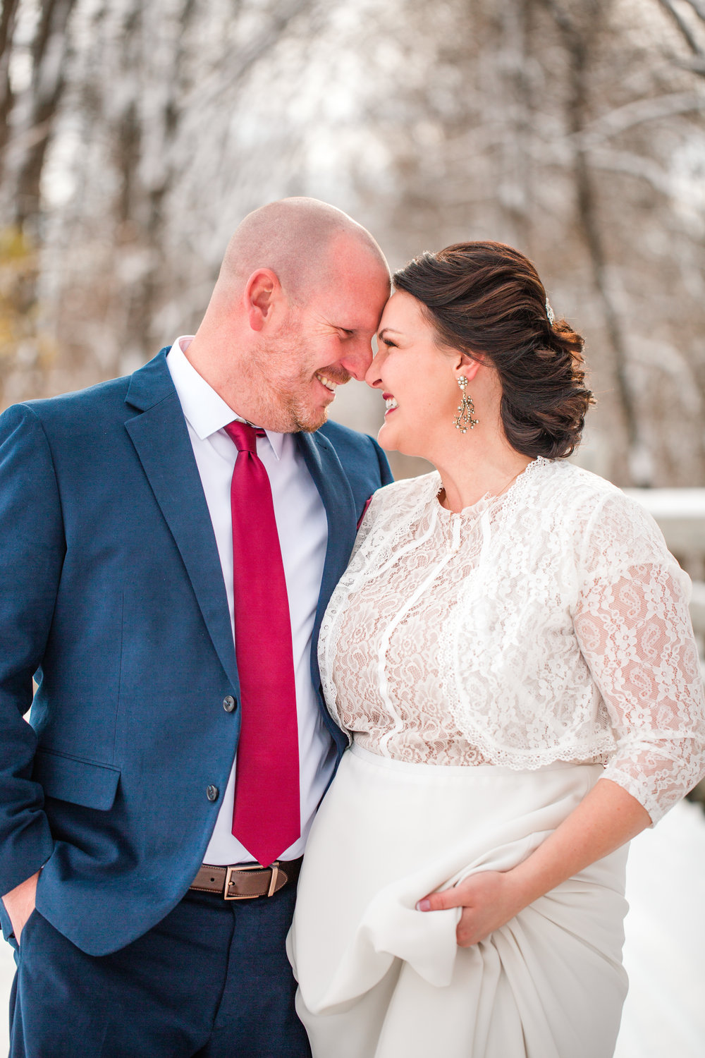 romantic winter wedding photography midwest iowa wedding pioneer