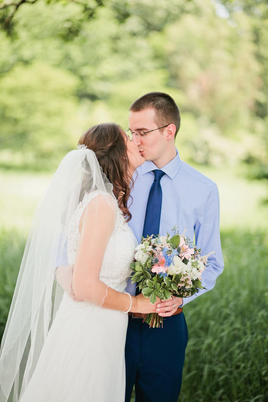 best wedding photographer in West Des Moines IOwa