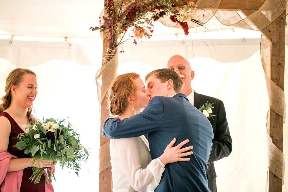 wisconsin-Wedding-photogrphers-madison-iowa-minnneapolis-40.jpg