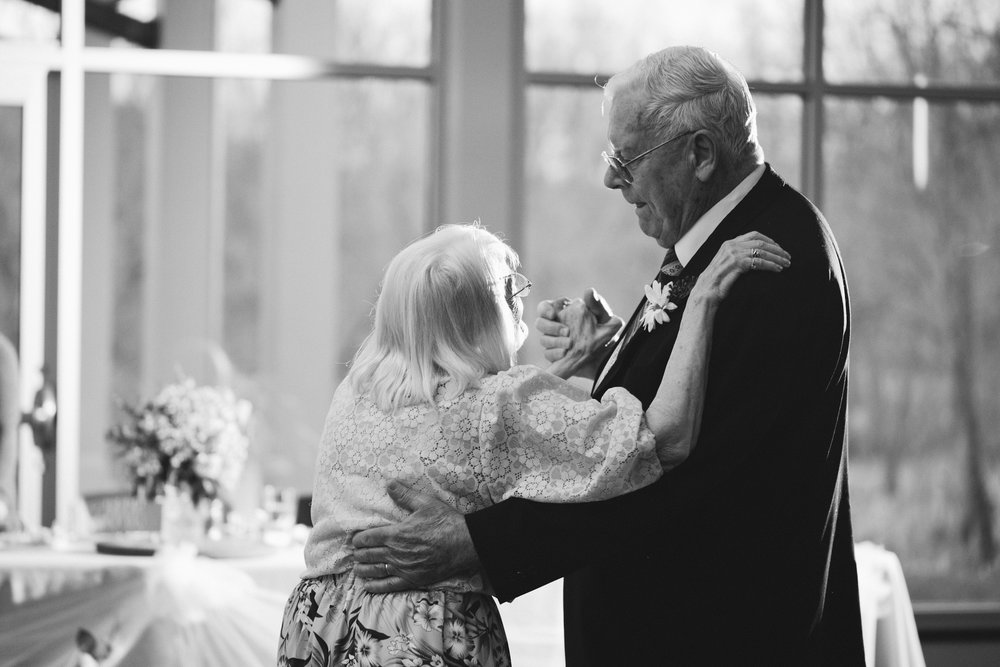 old-couple-grandparents-dancing-wedding-reception-des-moines