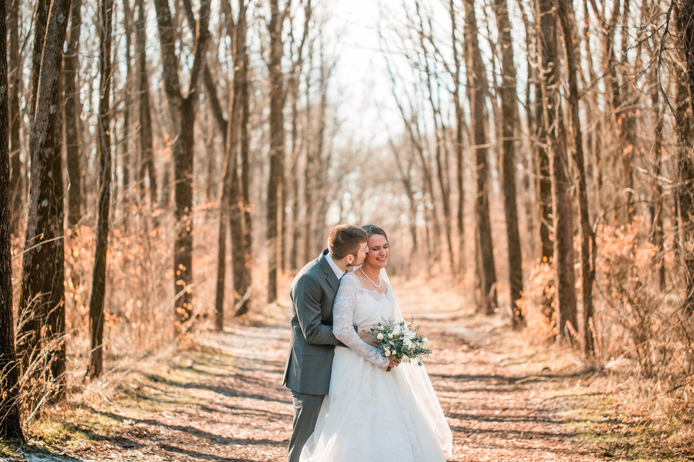 des moines iowa wedding photographers cedar rapids real weddings in woods