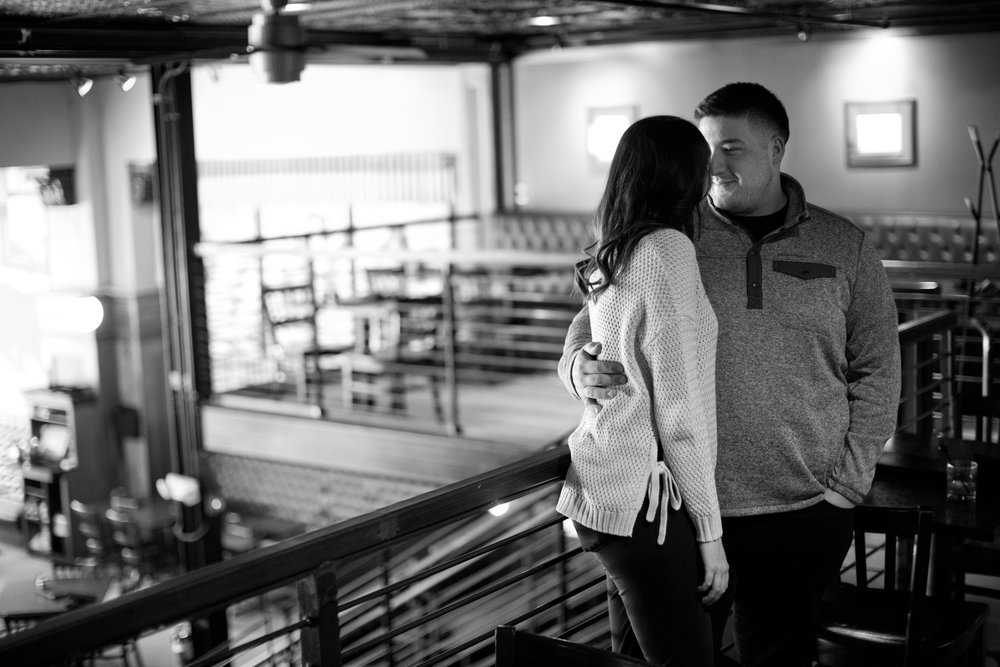 americana-bar-engagement-pictures