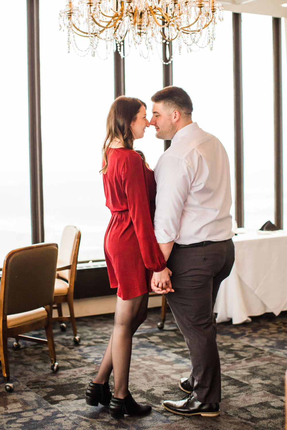 engagement wedding pictures at the embassy club des moines iowa