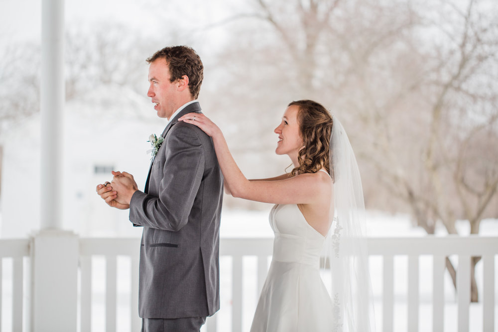 romantic winter first look iowa cedar rapids iowa city weddings