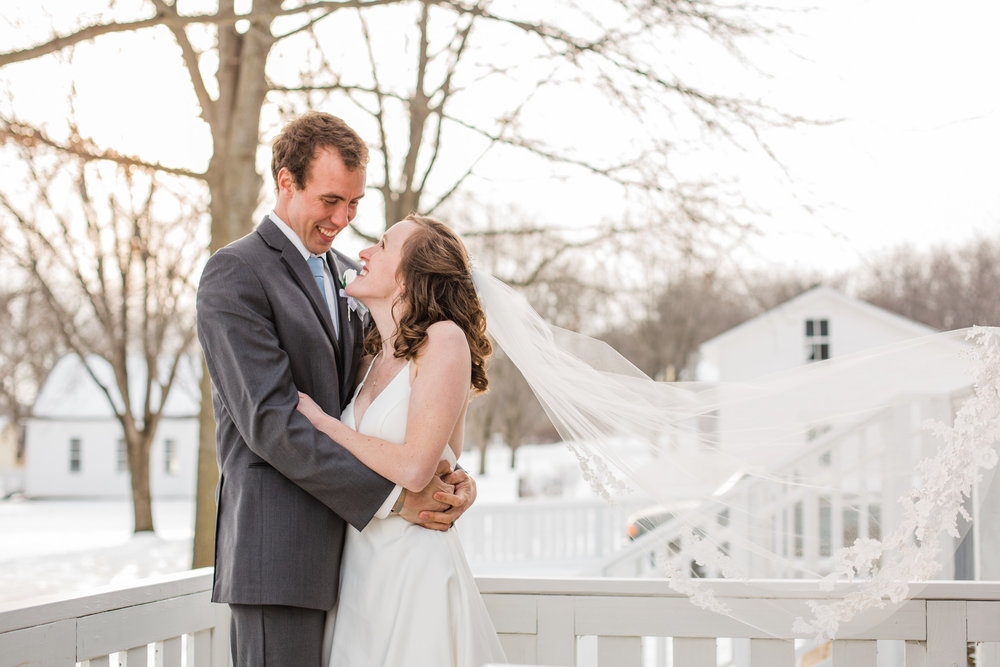 winter wedding photographers Iowa Des Moines Cedar rapids wedding venues