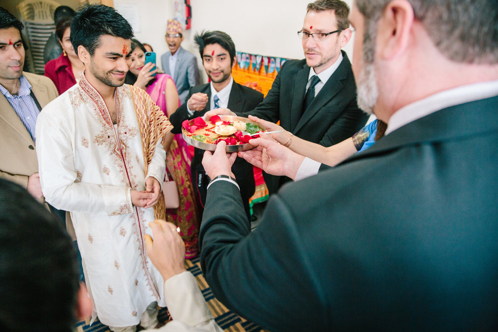 milni hindu wedding ceremony at temple with both families