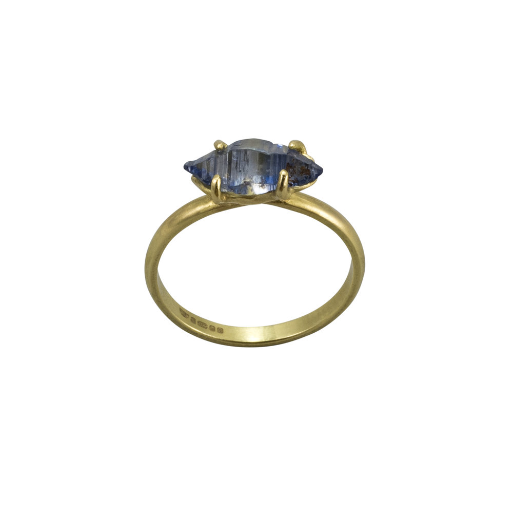 Gold-Sapphire-ring1-web.jpg