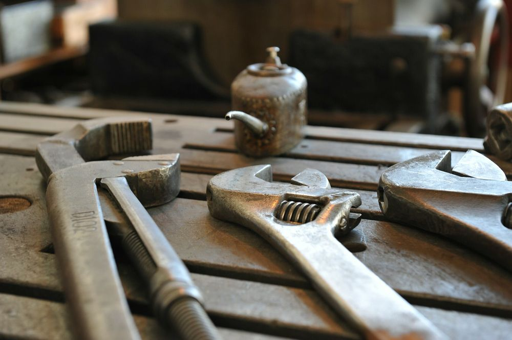 A different set of tools can assist you to   UNDERSTAND, MANAGE & GROW   your business