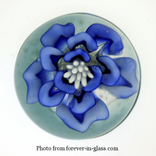 Blue-Flower-Paperweight.jpg