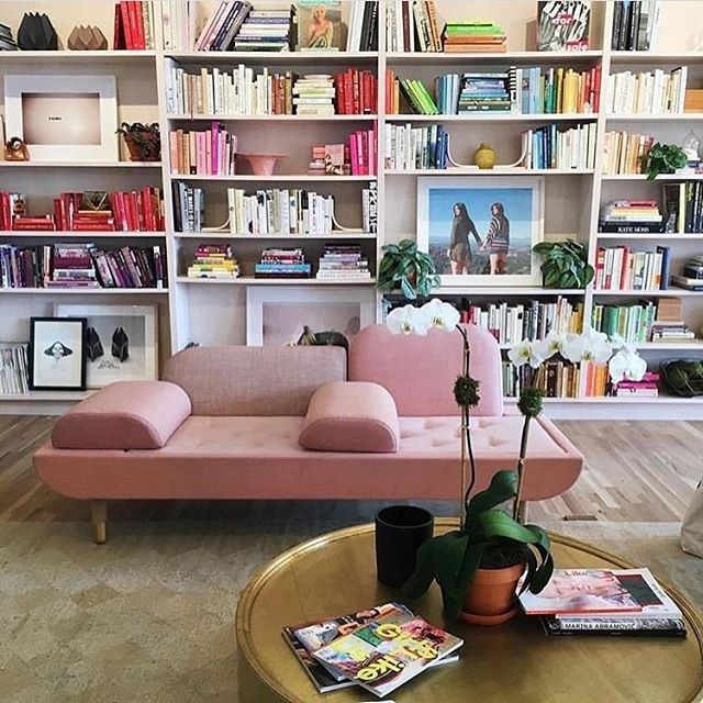 Some Interior inspiration for 2017!  The ladies at @the.wing are doing such inspiring things on so many levels  #goals #creativepreneur #inspiration