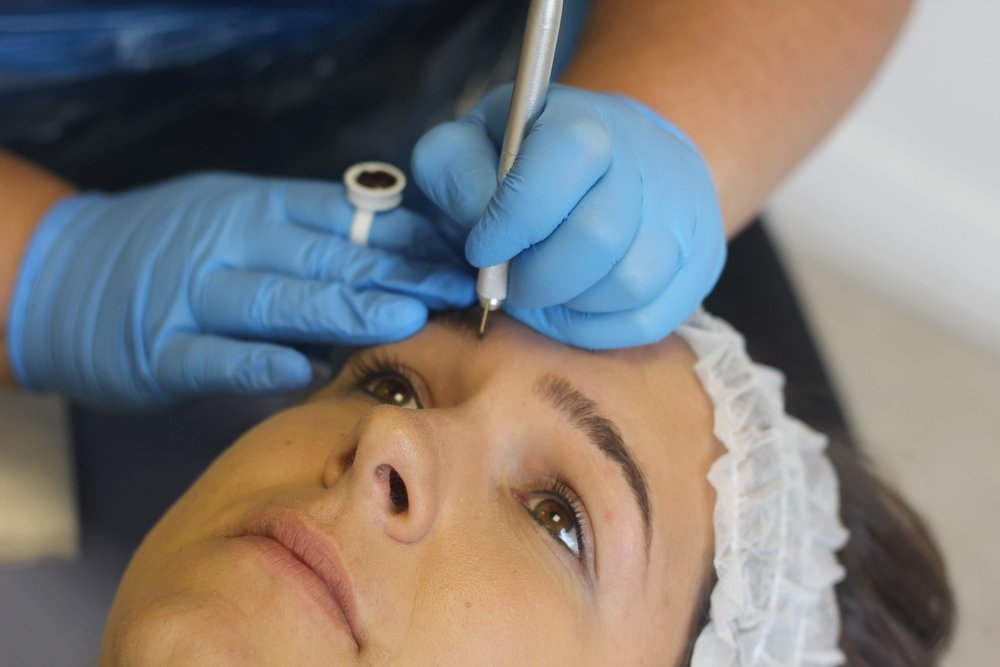 You can opt for Microbladed Brows, or have your treatment carried out using Digital Machine.