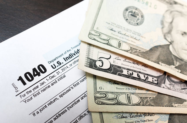 IRS Shows Off Draft of Postcard Form 1040 and Six New Schedules