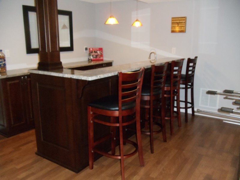 A&E Construction Basement Renovation Bar Gameroom Family Room optimized.jpg