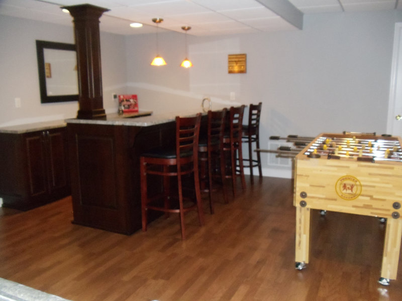 A&E Construction Basement Gameroom Bar Family Room optimized.jpg