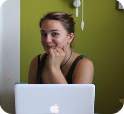 """Ich, 2011, erster Praktikumstag. """"Ann-Sophie, wir brauchen ein Bild für das Portal"""". Ich war begeistert."""
