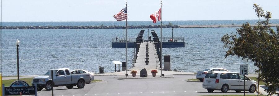 Lincoln Park Pier 900x300.jpg