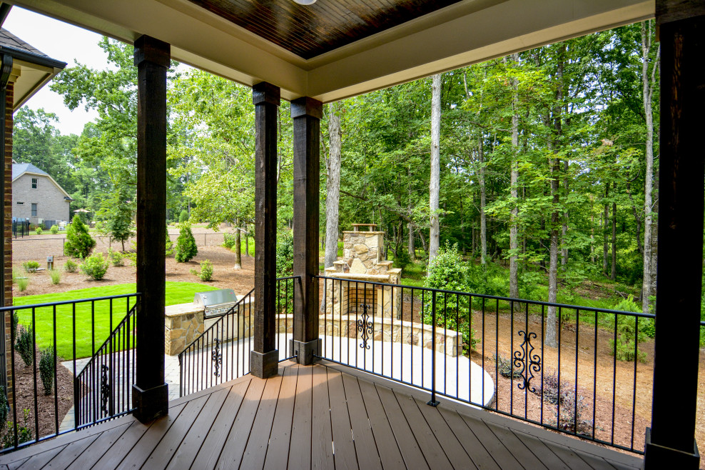 19-ScreenedPorch_Patio-988x658.jpg
