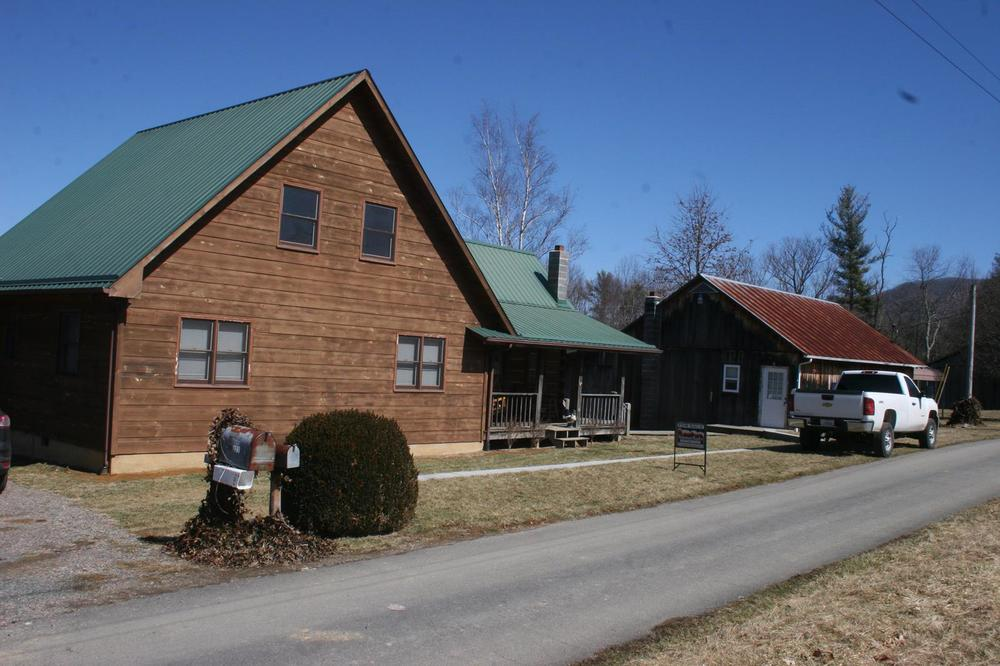 Boyd log house (3).JPG