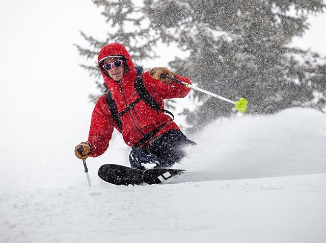 a nice one from this weekend skiin some powder in LCC, @douglastolman photo. Also w/ @micah.green