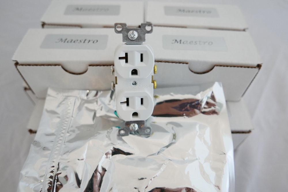 Maetsro Outlet White  - 1 (1).jpg