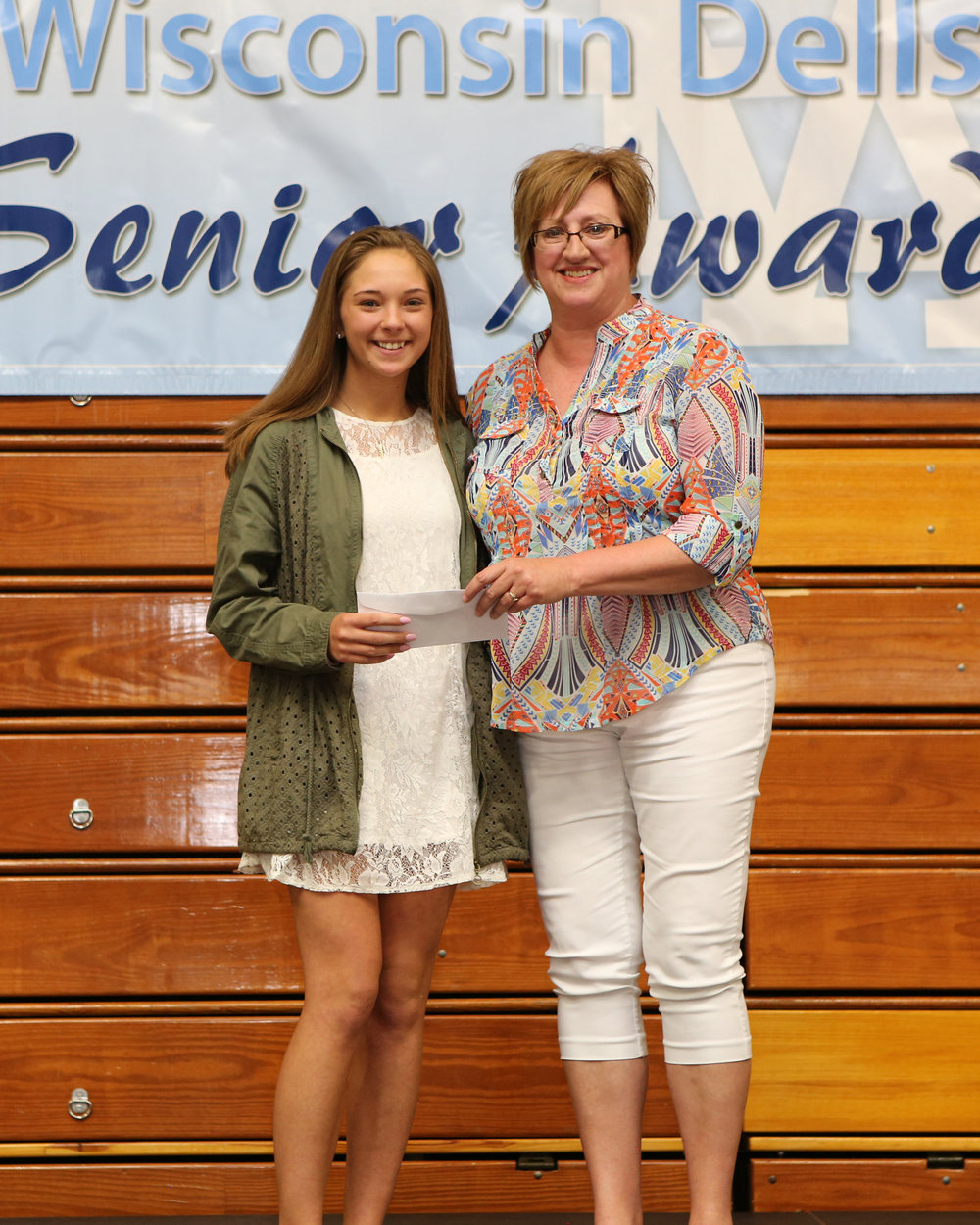 2017_WDHS_Scholarship_Awards_Night20170517_0_B (6).jpg