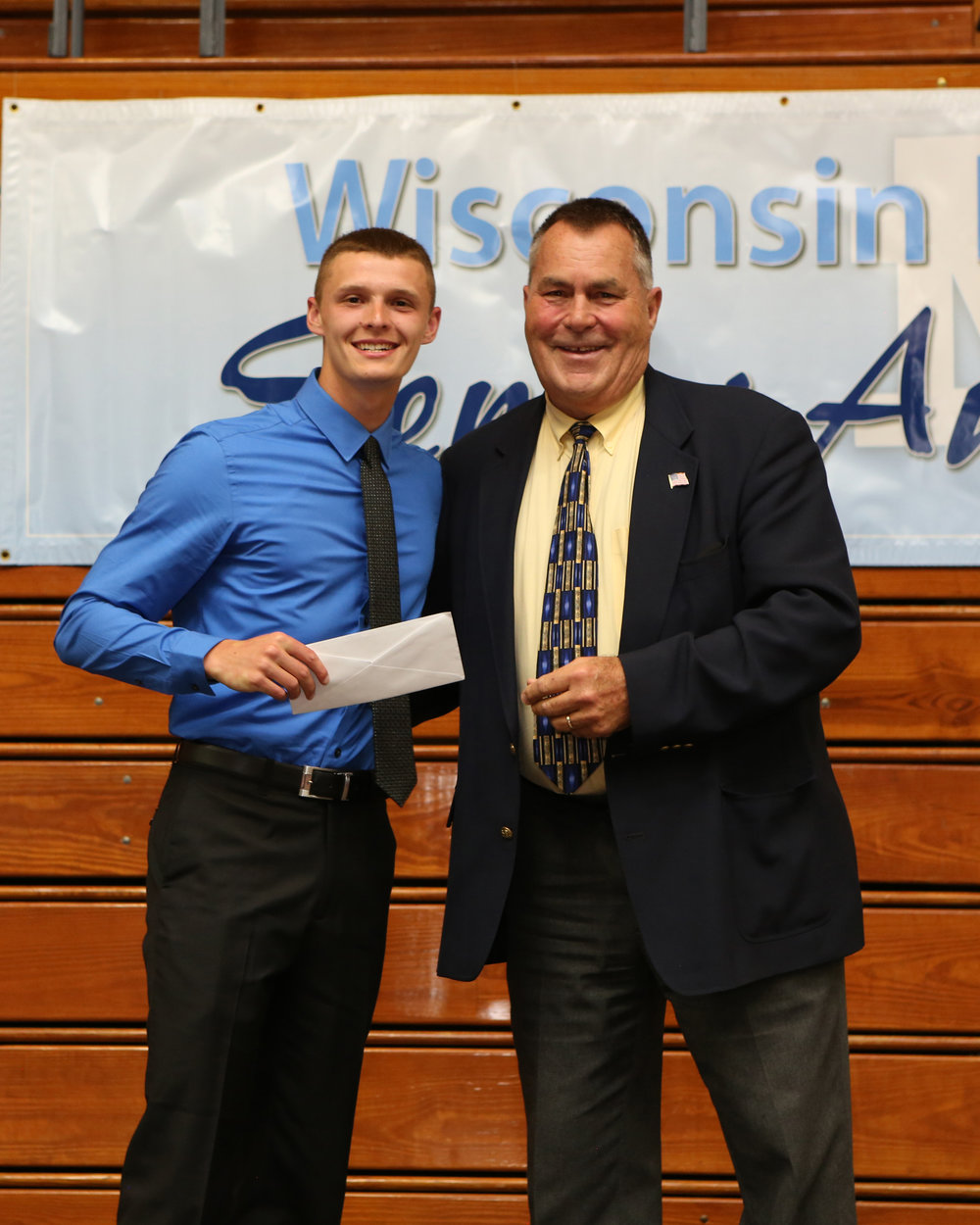 2017_WDHS_Scholarship_Awards_Night20170517_0_B (8).jpg