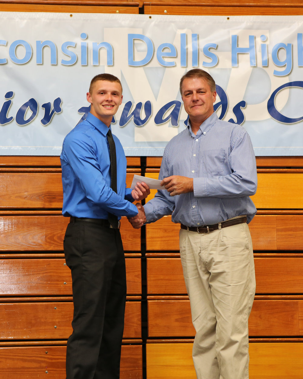 2017_WDHS_Scholarship_Awards_Night20170517_1_B (2).jpg