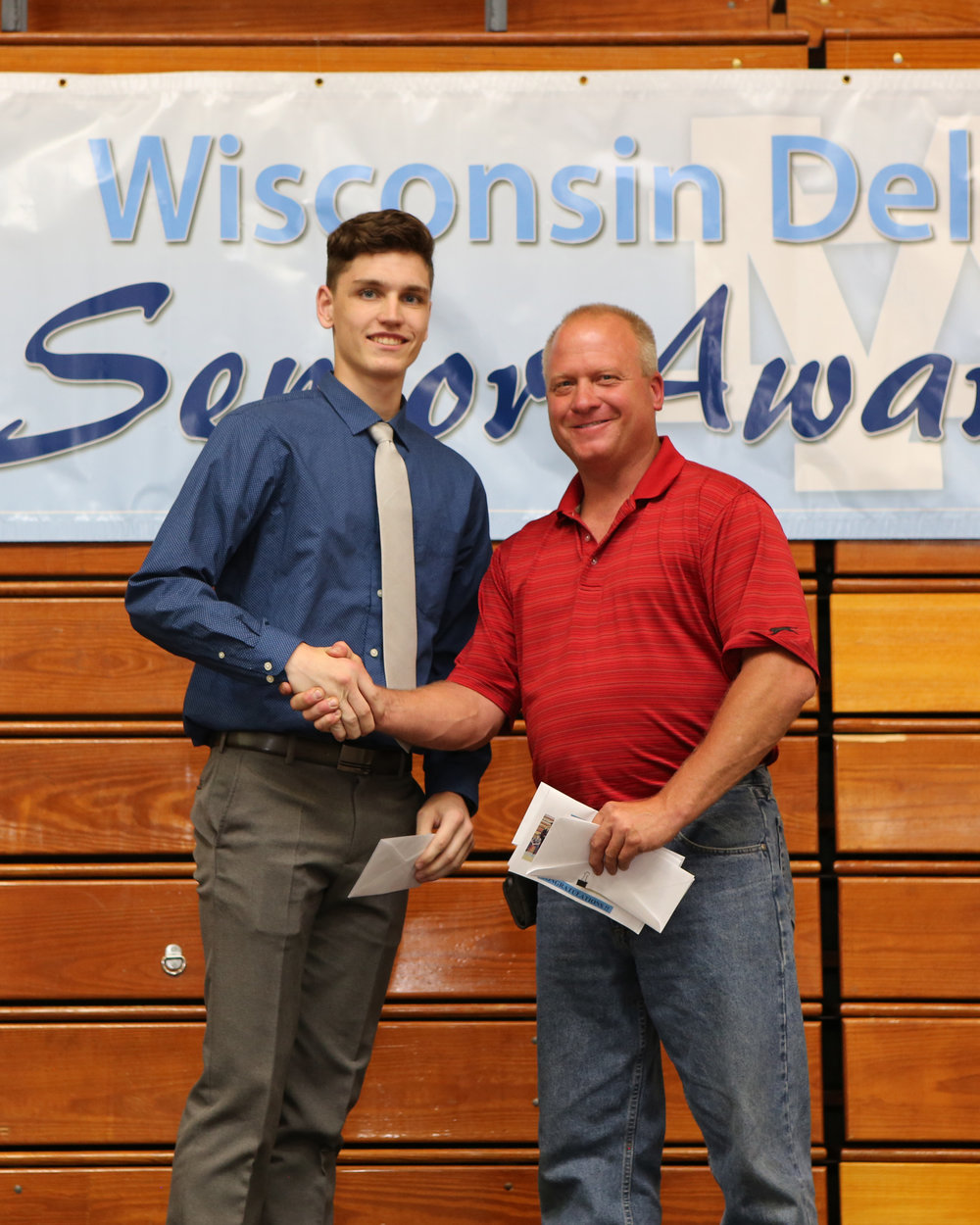 2017_WDHS_Scholarship_Awards_Night20170517_1_B (4).jpg