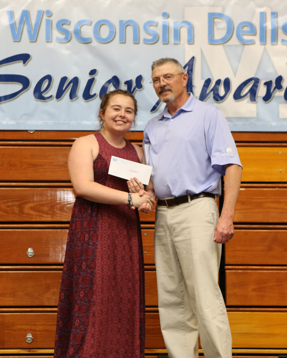 2017_WDHS_Scholarship_Awards_Night20170517_1_B (7).jpg
