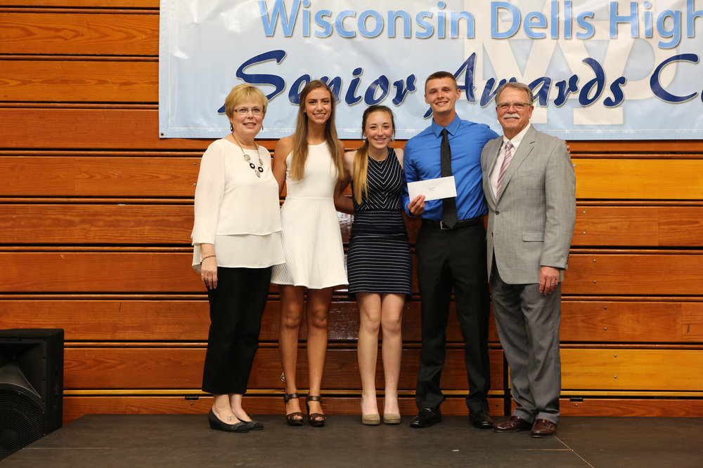 2017_WDHS_Scholarship_Awards_Night20170517_1_B (9).jpg