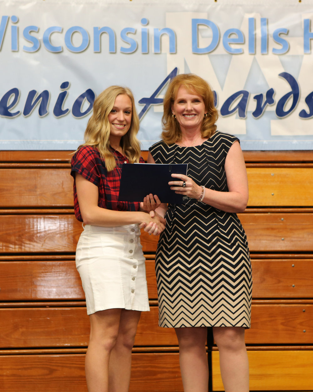 2017_WDHS_Scholarship_Awards_Night20170517_1_B.jpg
