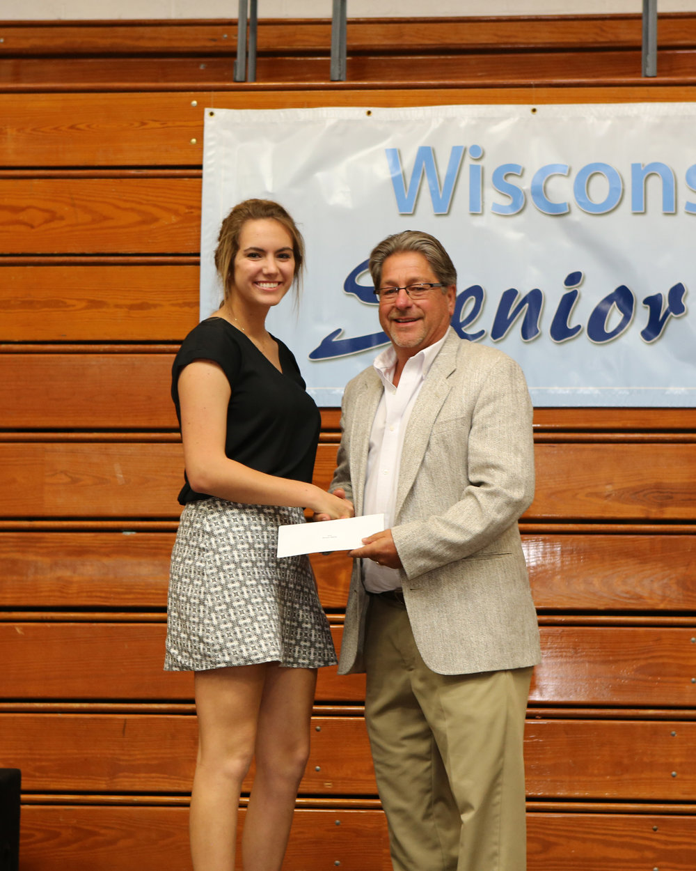 2017_WDHS_Scholarship_Awards_Night20170517_2_B (5).jpg