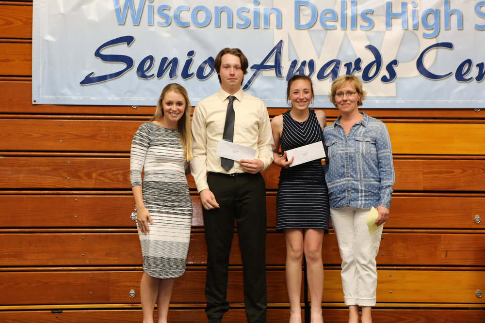 2017_WDHS_Scholarship_Awards_Night20170517_2_B (7).jpg