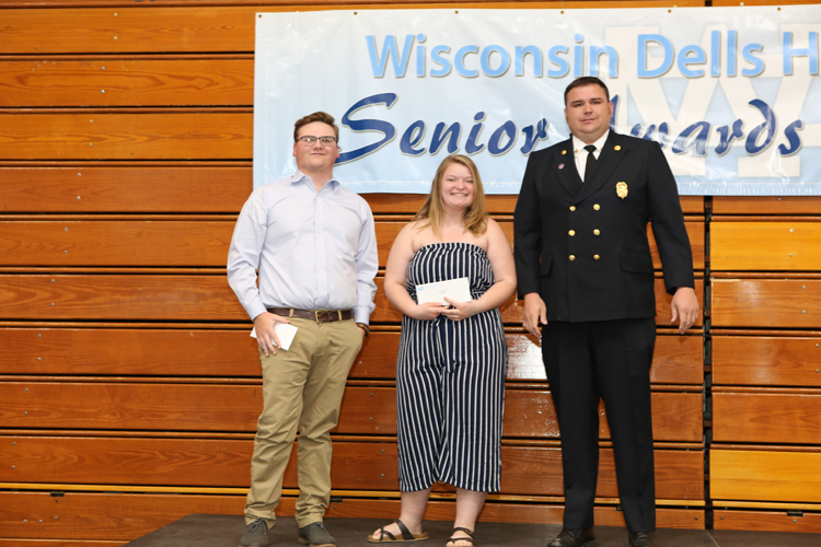 2018 Senior Awards Ceremony20180516_0 (6).jpg