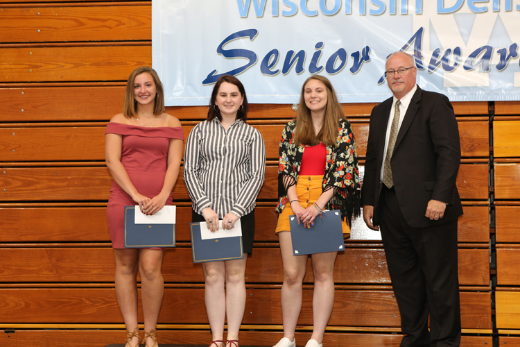 2018 Senior Awards Ceremony20180516_0 (9).jpg