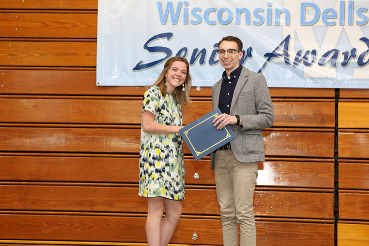 2018 Senior Awards Ceremony20180516_1 (2).jpg