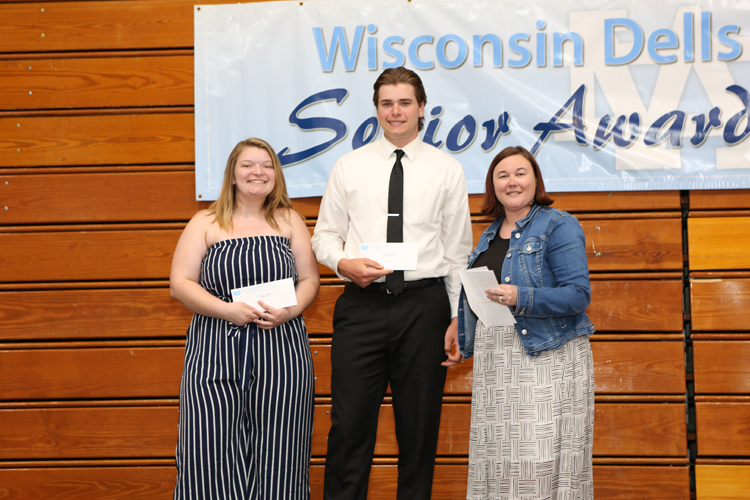 2018 Senior Awards Ceremony20180516_3 (8).jpg