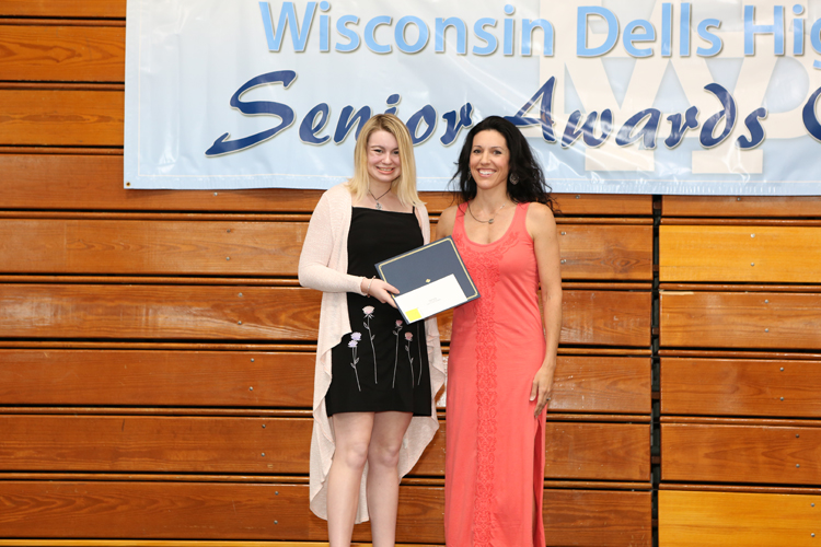 2018 Senior Awards Ceremony20180516_4.jpg
